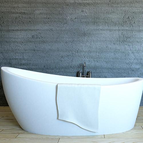 Freistehende Badewanne als Beispiel für moderne Badkeramik