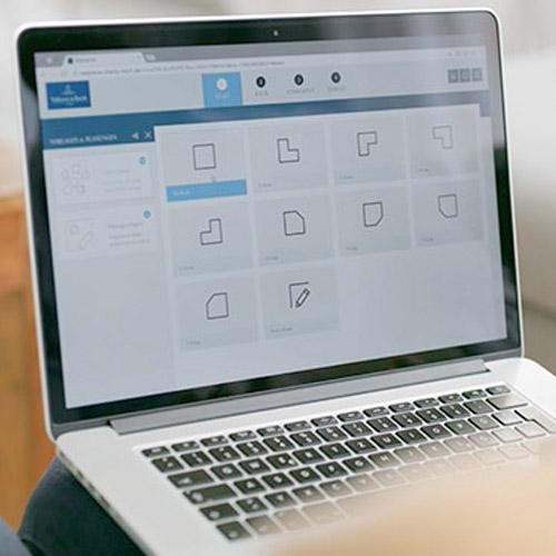 Abbildung des Online-Badplaners auf einem Notebook
