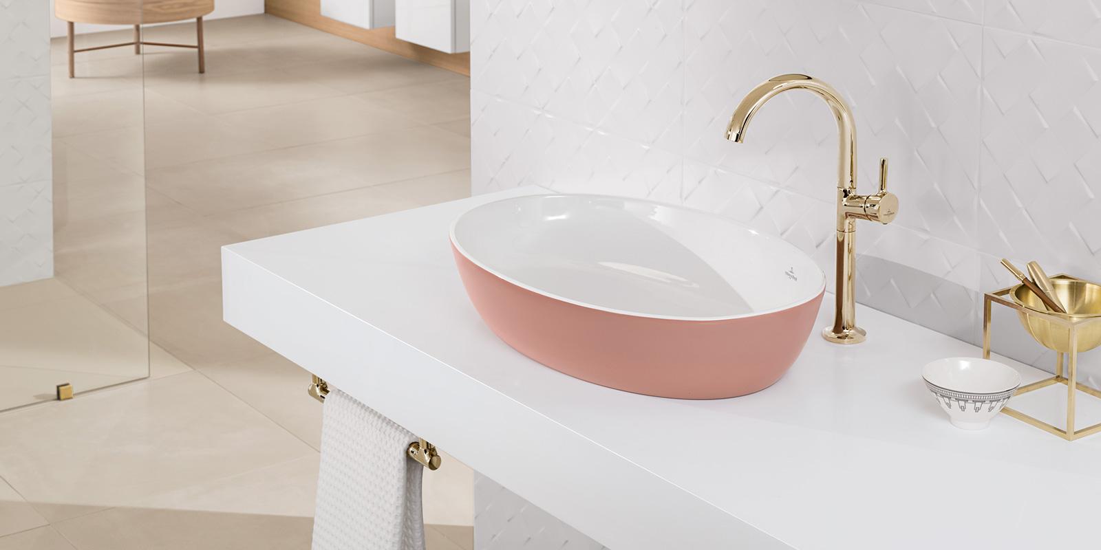 Farbige Waschbecken bringen moderne Farben ins Bad